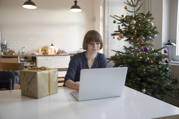 O du einsame! Das Herz deutscher Arbeitnehmer hängt an der Weihnachtsfeier
