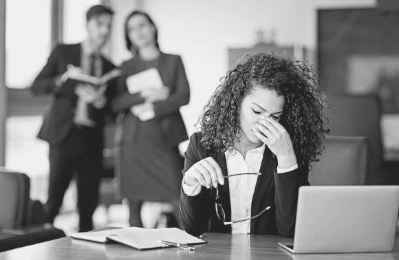Ist Mobbing im Büro strafbar und wie geht man dagegen vor?