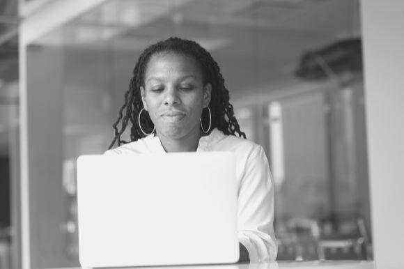 Mail de convocation à un entretien d'embauche : 5 conseils pour rédiger une proposition efficace