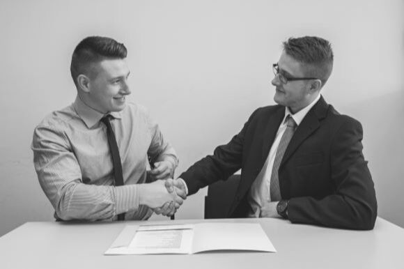 10 Tips to Hire the Right Candidate