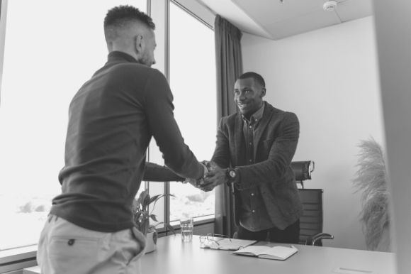 10 Best Questions to Ask Interns in an Interview