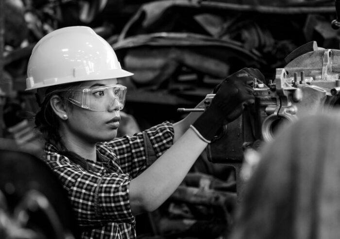 5 tips for hiring manufacturing workers