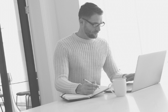 How do I write an effective job advert?
